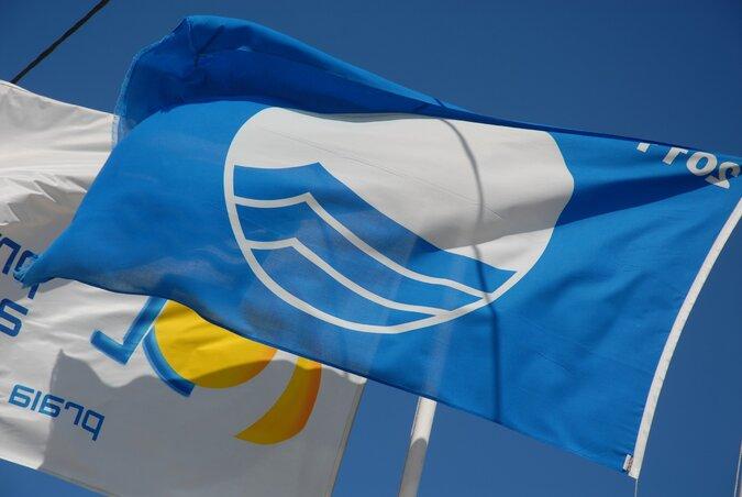 Resultado de imagem para Praia do Pedrógão é novamente 'Bandeira Azul'